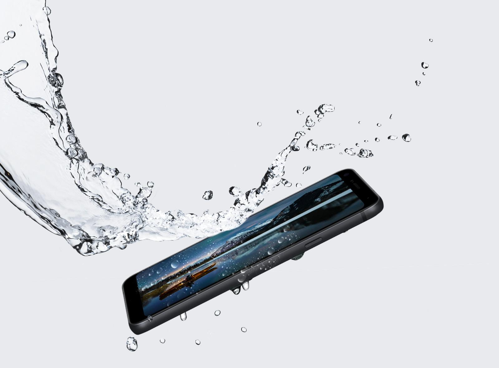 O LG Q7+ possui certificação IP68 resistente á poeira e á água