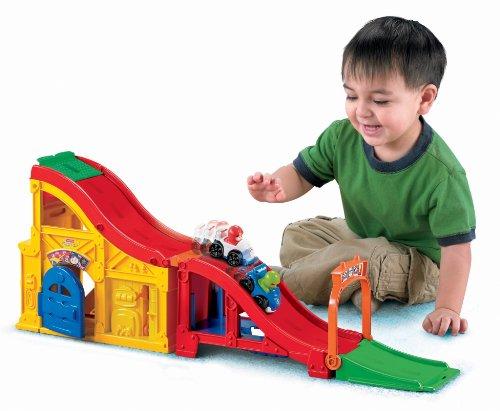 Fisher-Price Little People Wheelies Rev 'n Sounds Race Track