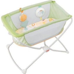 Fisher-Price Rock N Play Portable Bassinet – Green