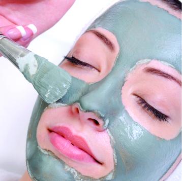 Revitalização Facial de Argila