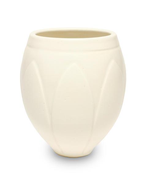 Sm11 white sprague vase 2048px