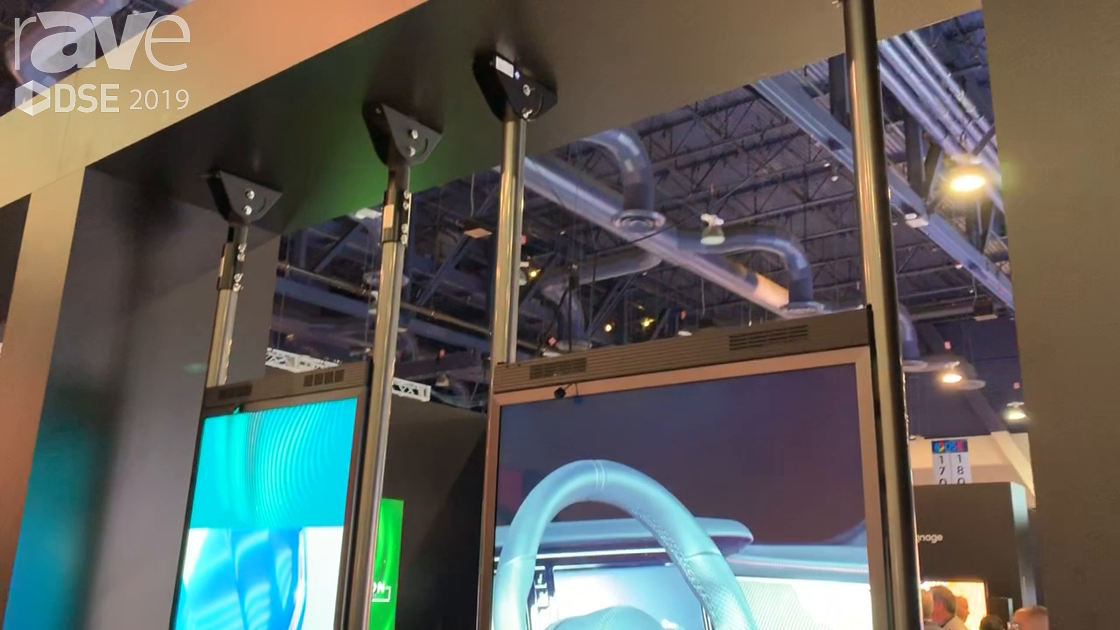 DSE 2019: Samsung Showcases the OMN-D Dual-Sided Retail Window Display