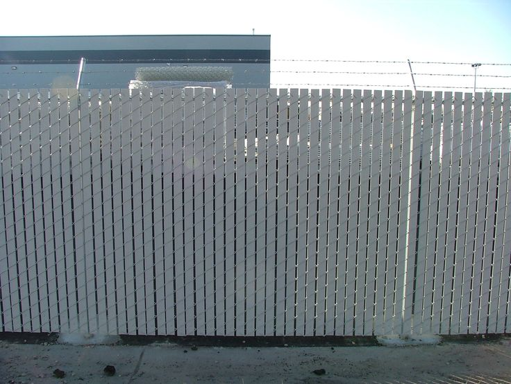 slats or windscreens the chain link privacy fence face off
