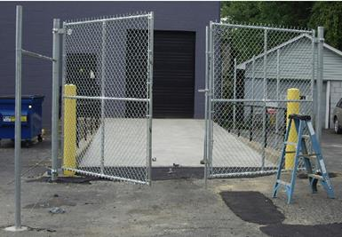 setting-chain-link-posts-6.jpg