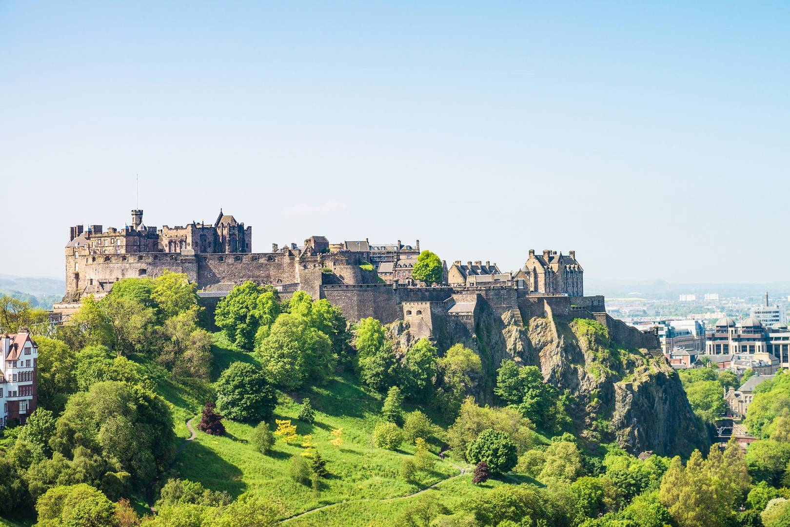 Edinburgh-Castle-edinburgh-scotland-conde-nast-traveller-28july17-iStock