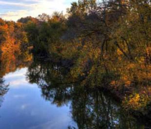 harpeth-river-tn-credit-Hector-Parayuelos-flickrCC