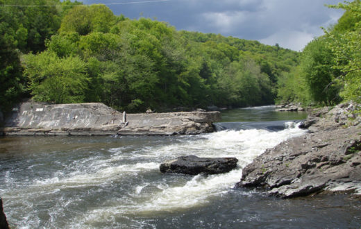 Spoonville Dam on the Farmington River (CT) prior to removal.