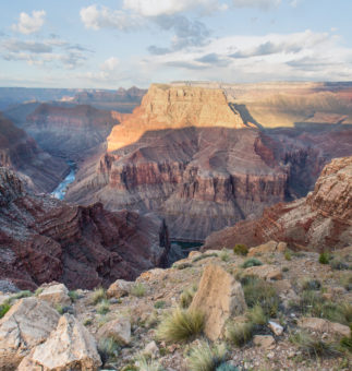 BEAUTY AND RISK IN THE GRAND CANYON Protecting Rivers