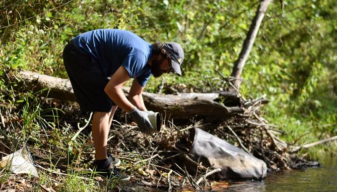 Tuckasegee River Cleanup   Taylor Carringer