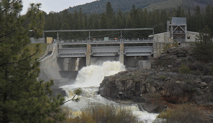 Plan Released for Klamath River Dam Removal | American Rivers on klamath mountains map, lake of the woods map, klamath marsh map, trinity lake map, klamath national forest map, highland map, morgan hill map, klamath basin map, lower klamath national wildlife refuge map, southern oregon northern california map, klamath lake map, prairie creek redwoods state park map, trinity county map, roosevelt national forest trail map, oregon rivers map, klamath county map, six rivers national forest map, humboldt county map, redwood national and state parks map,