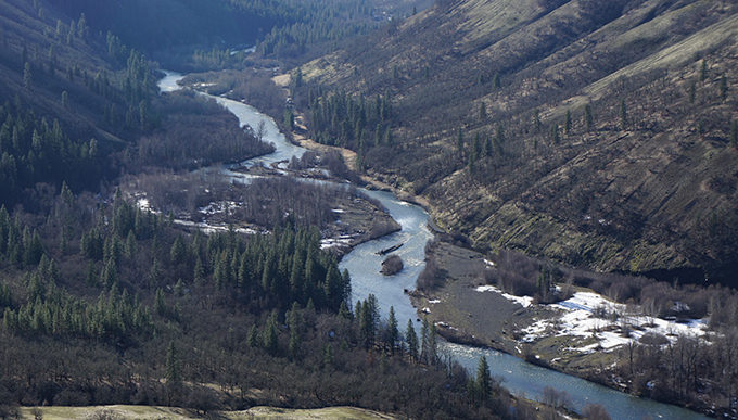 The Klickitat River Canyon is home to large expanses of oak savanna habitat. | Photo: David Patte/U.S. Fish and Wildlife Service