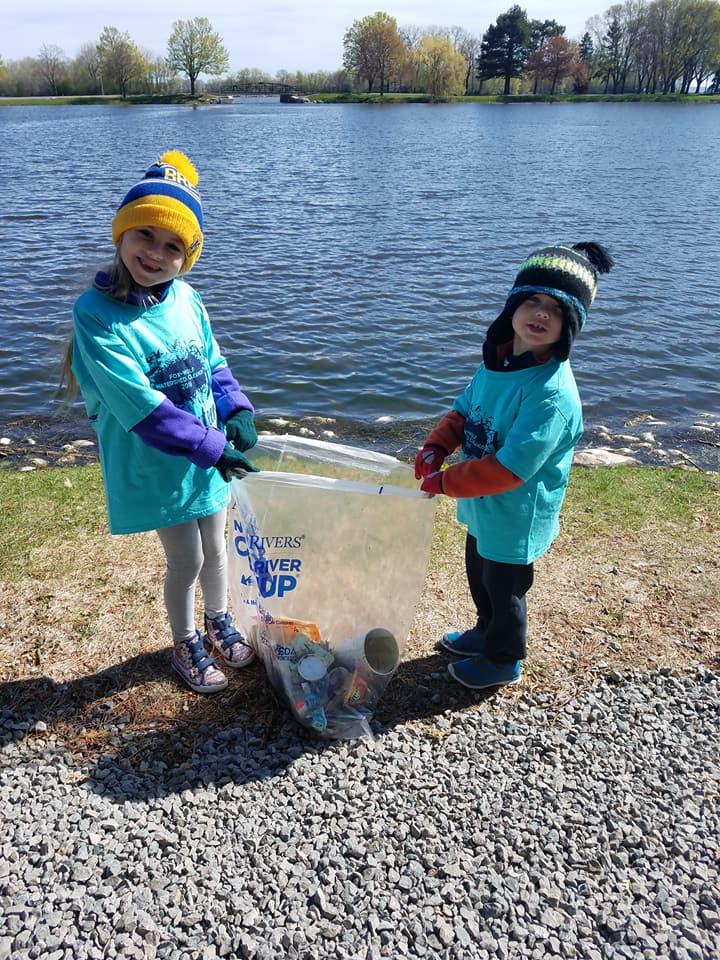 Mandy McCarthy-Rinne | Fox River/Lake Winnebago, WI | 2018 Fox-Wolf Watershed Cleanup
