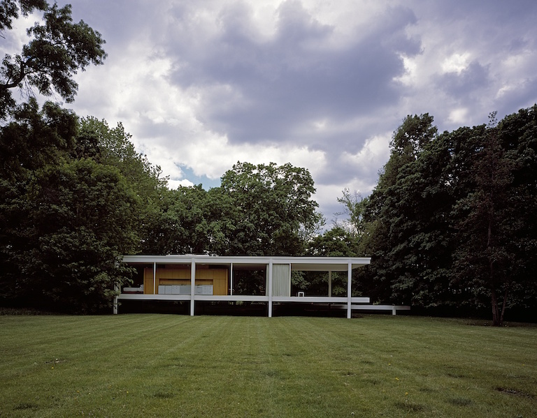 Highsmith, Carol M, photographer. View of architect Mies van der Rohe's classic modernist Farnsworth House, Plano, Illinois. Illinois Plano United States, None. [Between 1980 and 2006] Photograph. Retrieved from the Library of Congress.