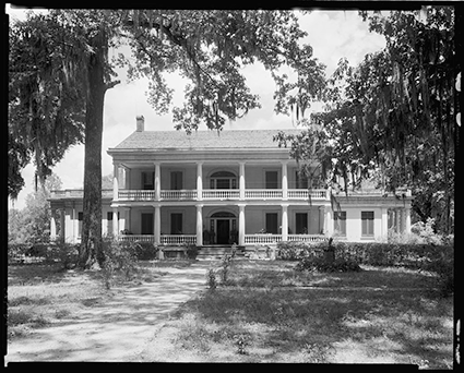 Johnston, Frances Benjamin, photographer. Rosedown Plantation, St. Francisville, W. Feliciana Parish, Louisiana. Louisiana St. Francisville W. Feliciana Parish, 1938. Photograph. Retrieved from the Library of Congress.