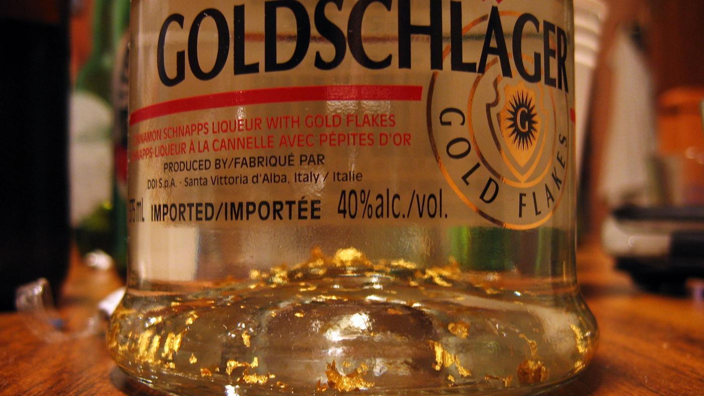 gold-flakes-goldschlager-liquor