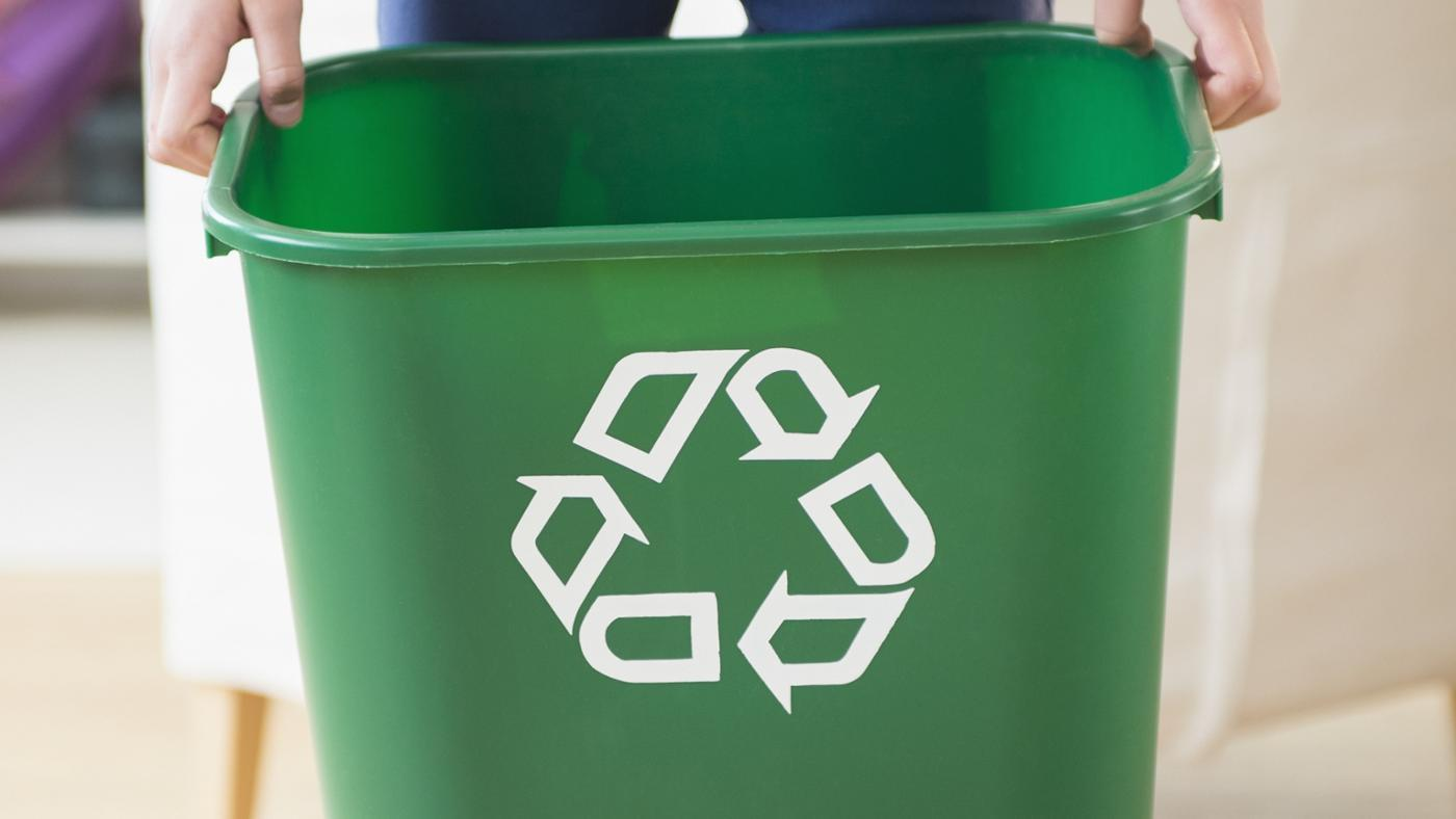 can-local-recycling-centers-open-sunday