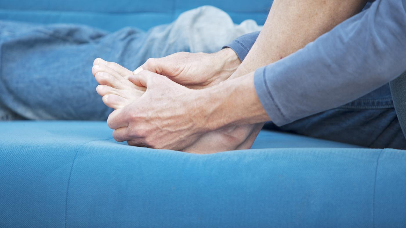 causes-burning-red-toes