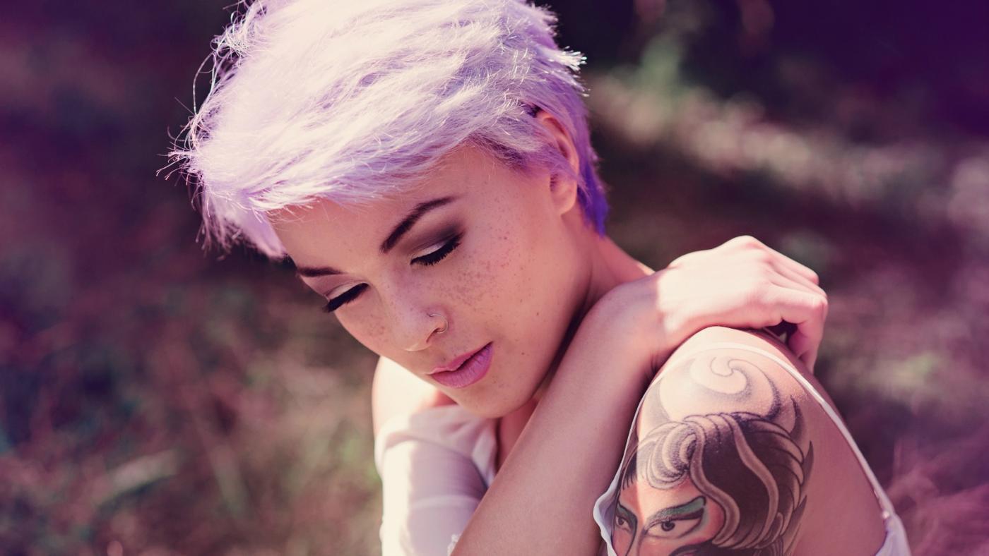did-blonde-hair-turn-purple