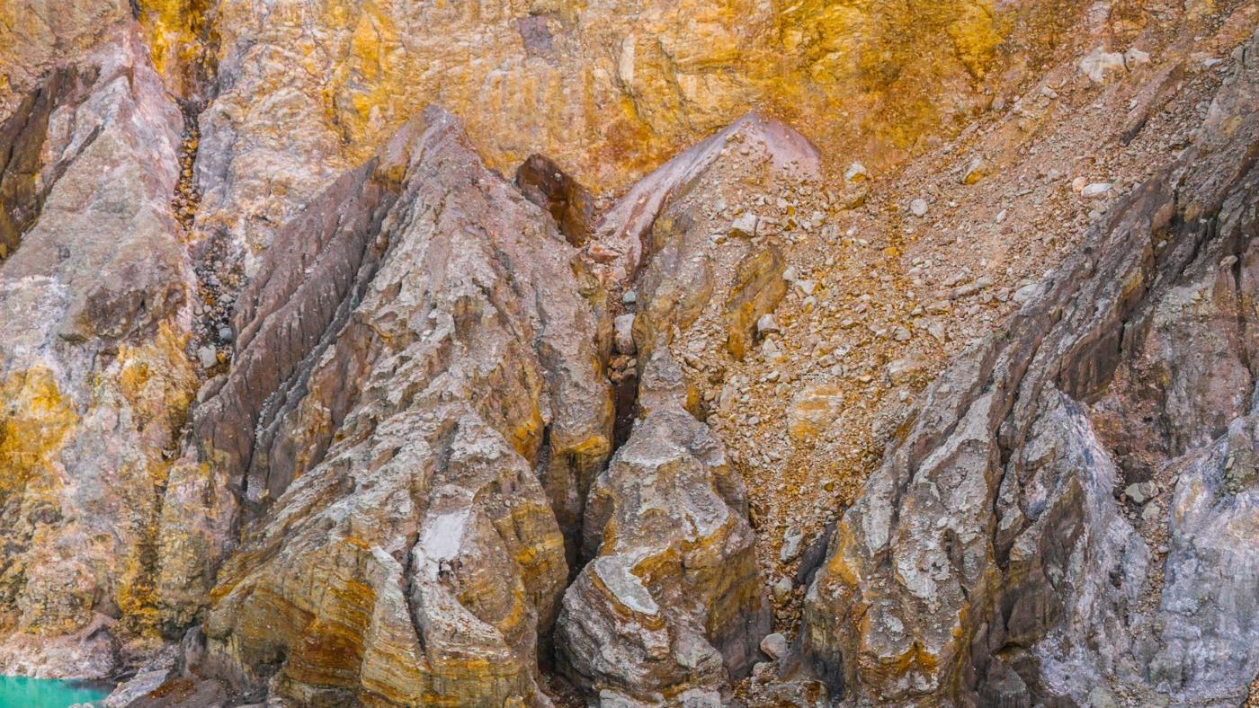 effect-acid-rain-rocks