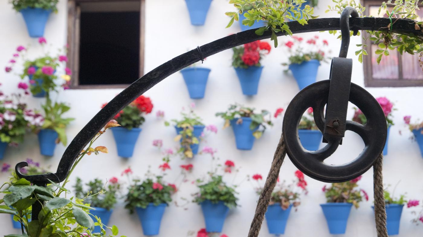 pulley-make-work-easier