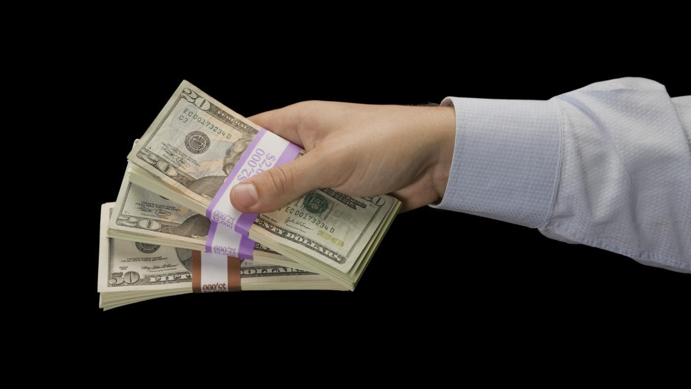 many-20-bills-bundle