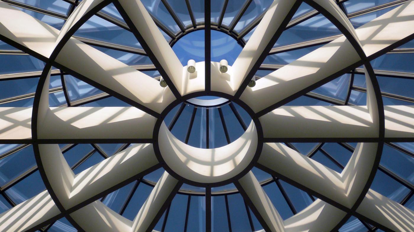 many-lines-symmetry-circle