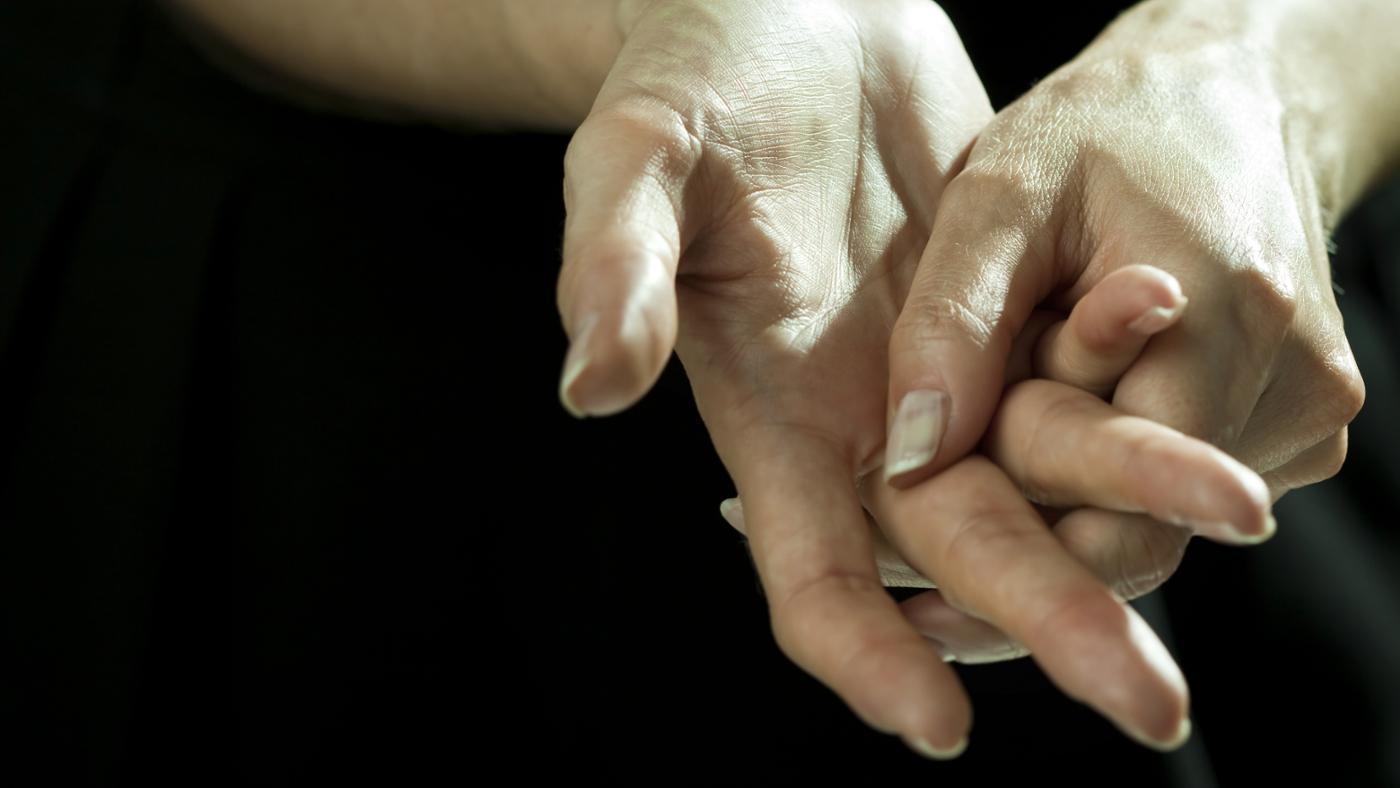 medications-can-cause-hand-tremors