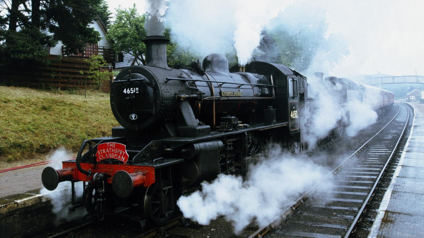 first-steam-train-invented