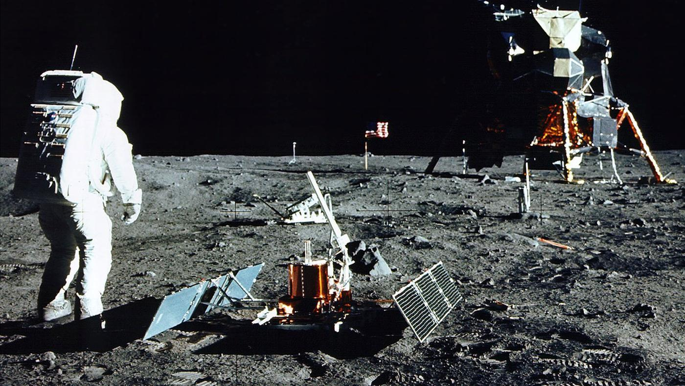objects-did-astronauts-leave-moon