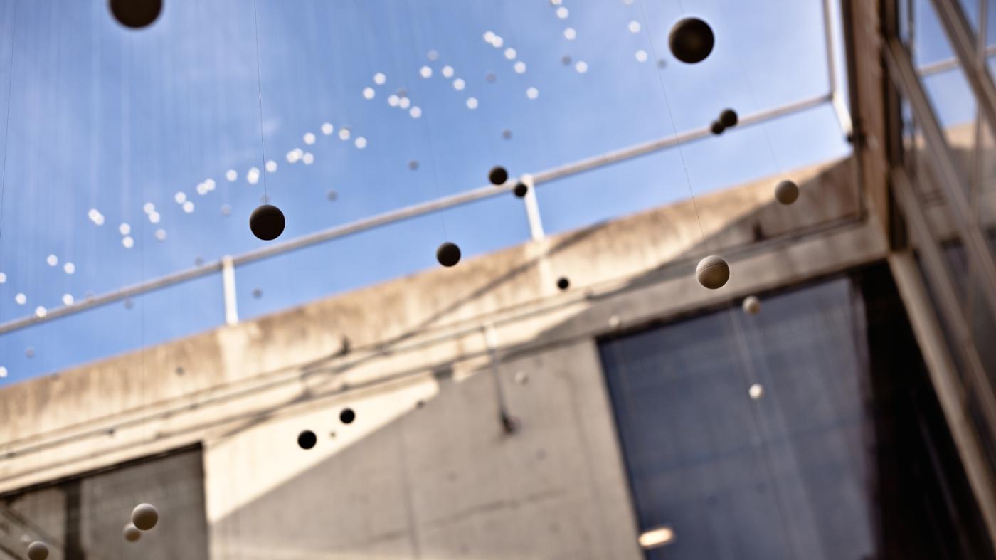ping-pong-balls-bounce