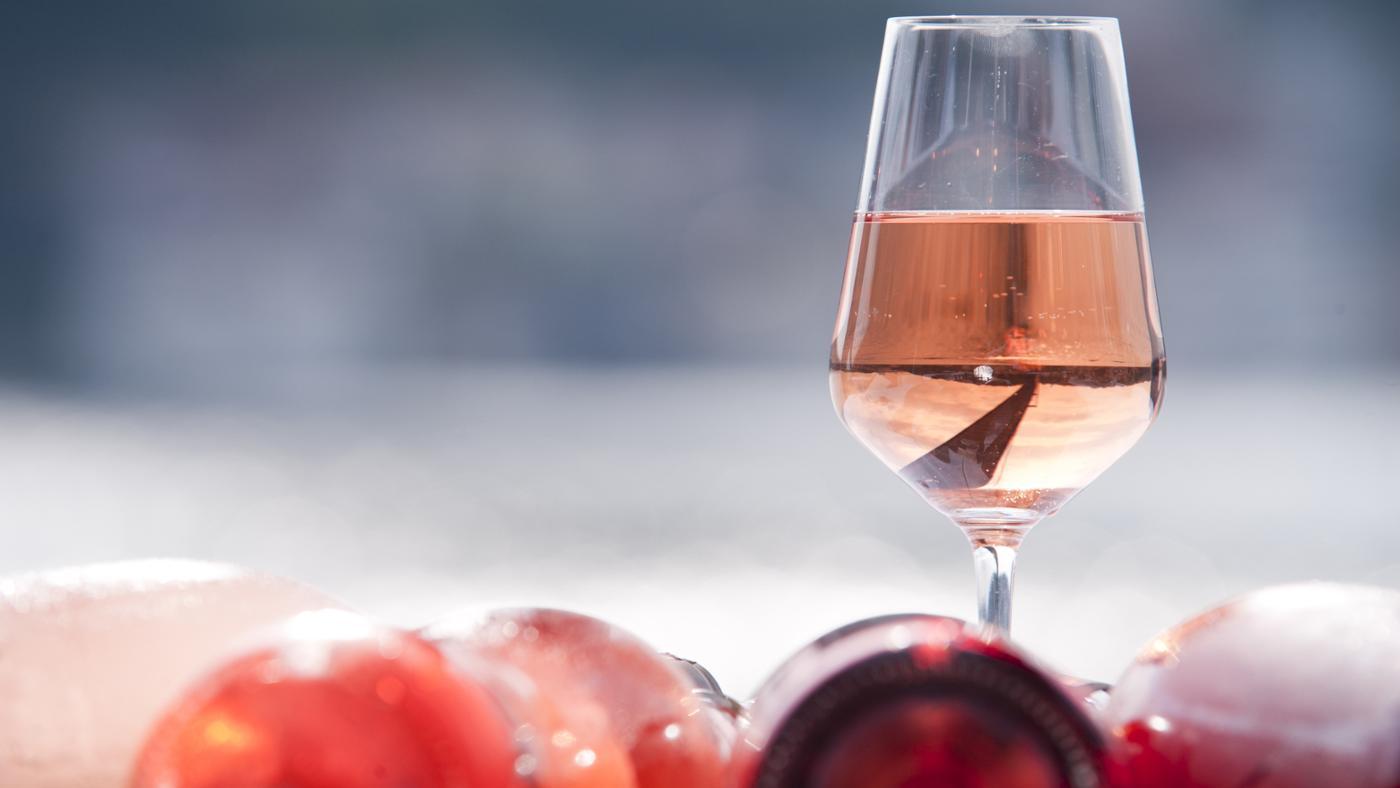 pink-moscato-wine