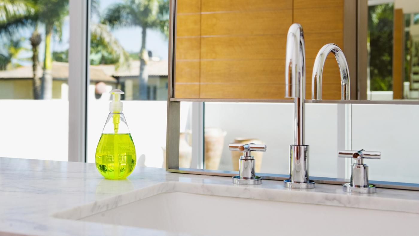 remove-stains-corian-sink