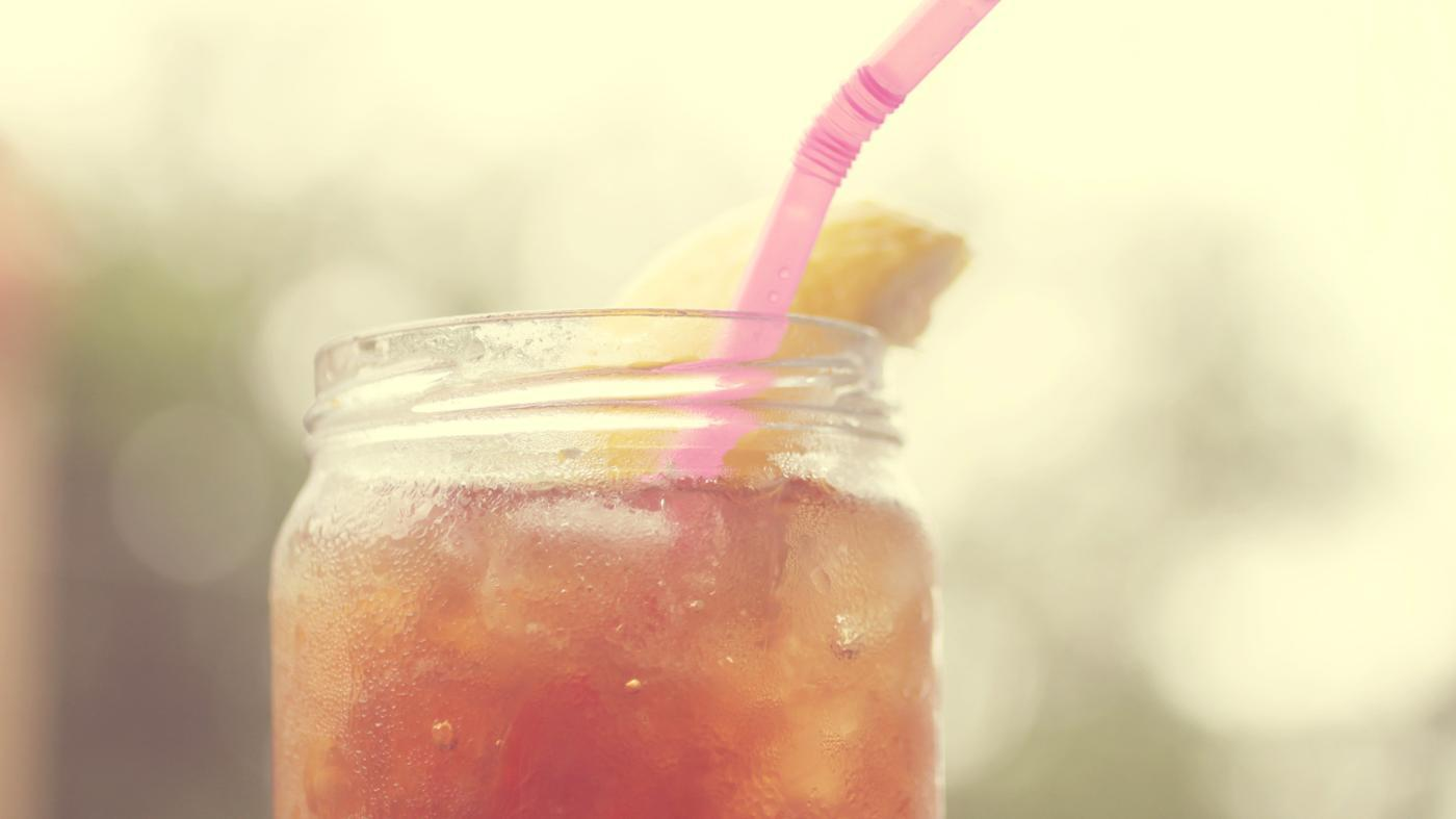 sugar-dissolve-faster-hot-tea-iced-tea