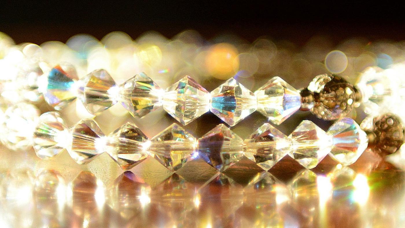 swarovski-crystals-come