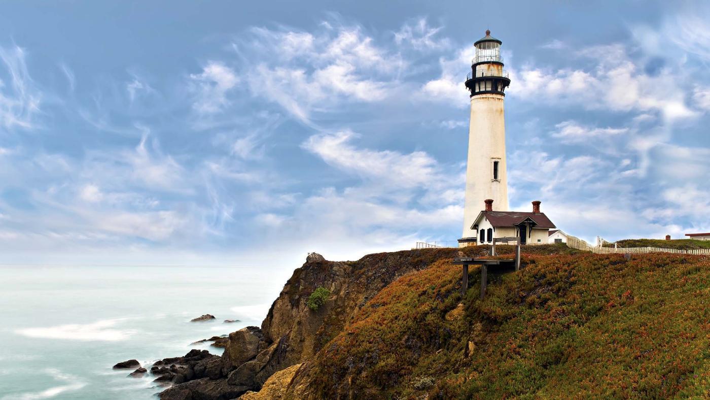 symbolic-meaning-lighthouse