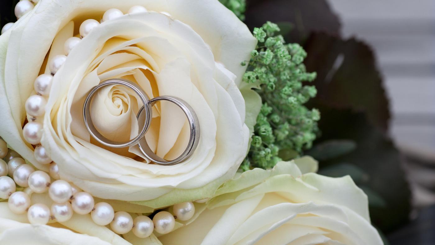 traditional-gift-10-year-wedding-anniversary