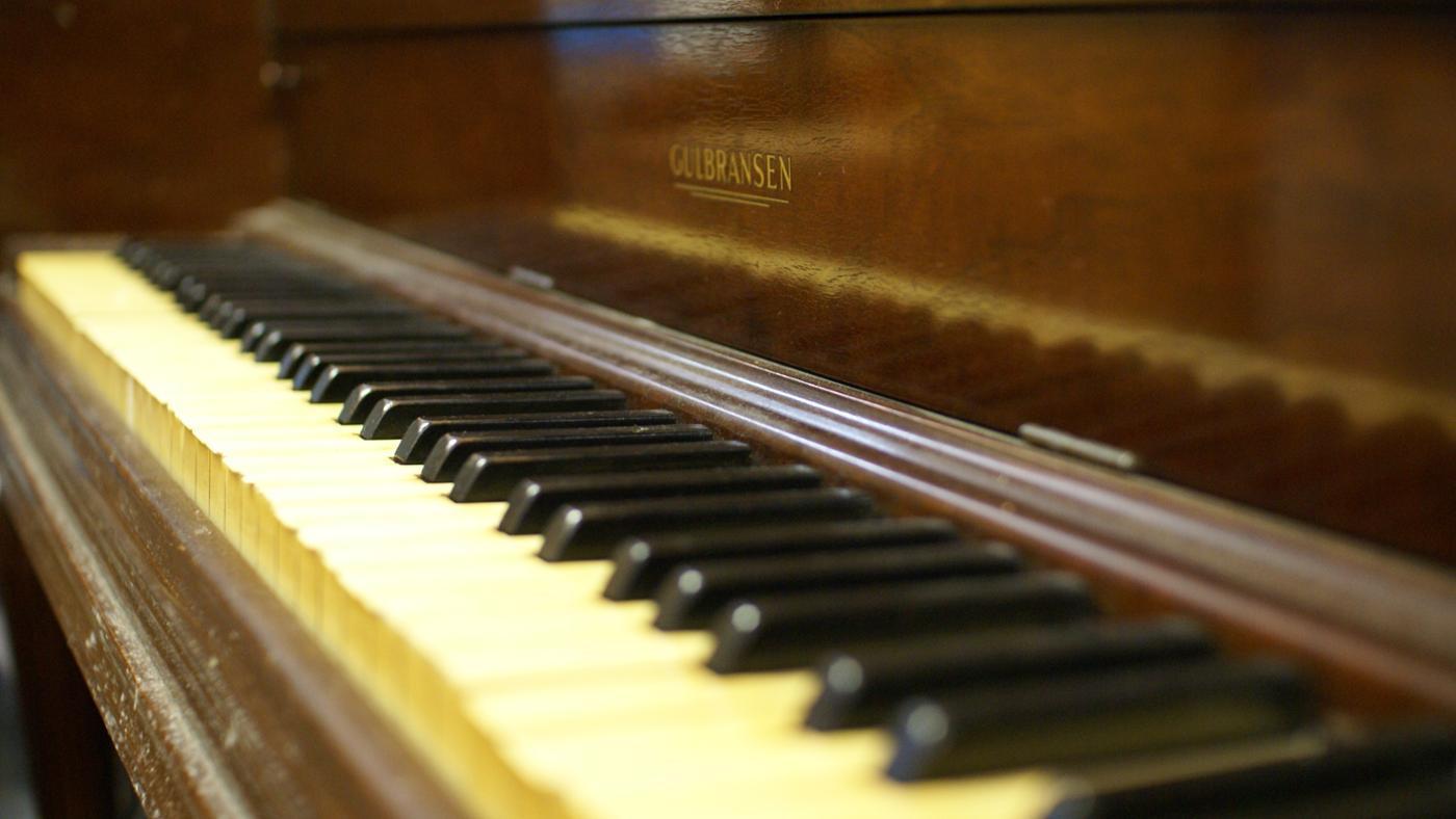 value-gulbransen-piano
