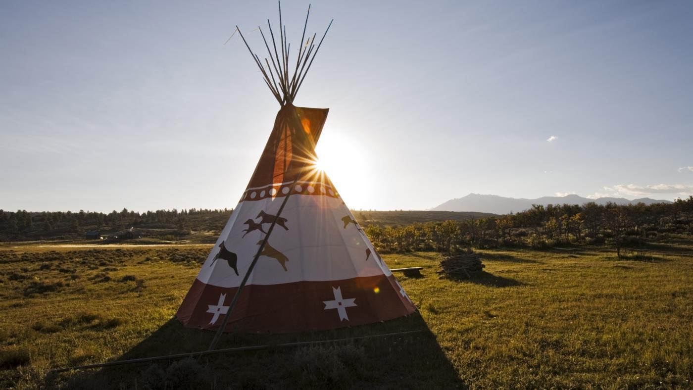 were-blackfoot-indians-houses-like