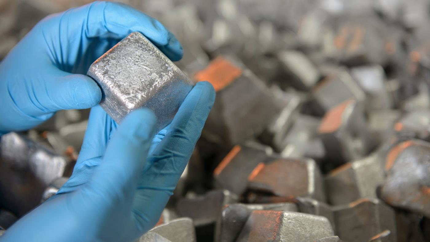 Does Aluminum React With Oxygen?