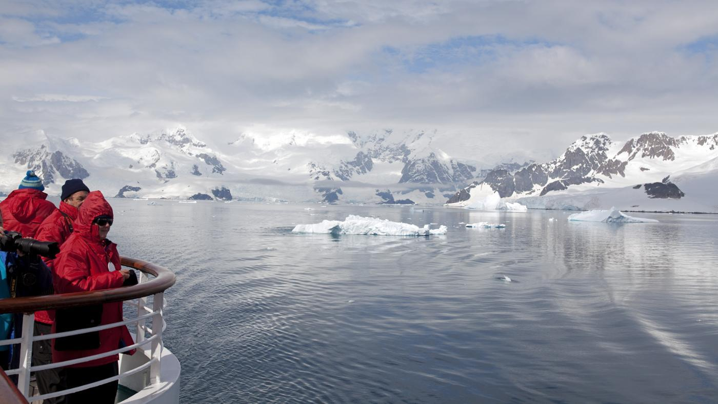 When Does Antarctica Have Its Shortest Days and Longest Nights?