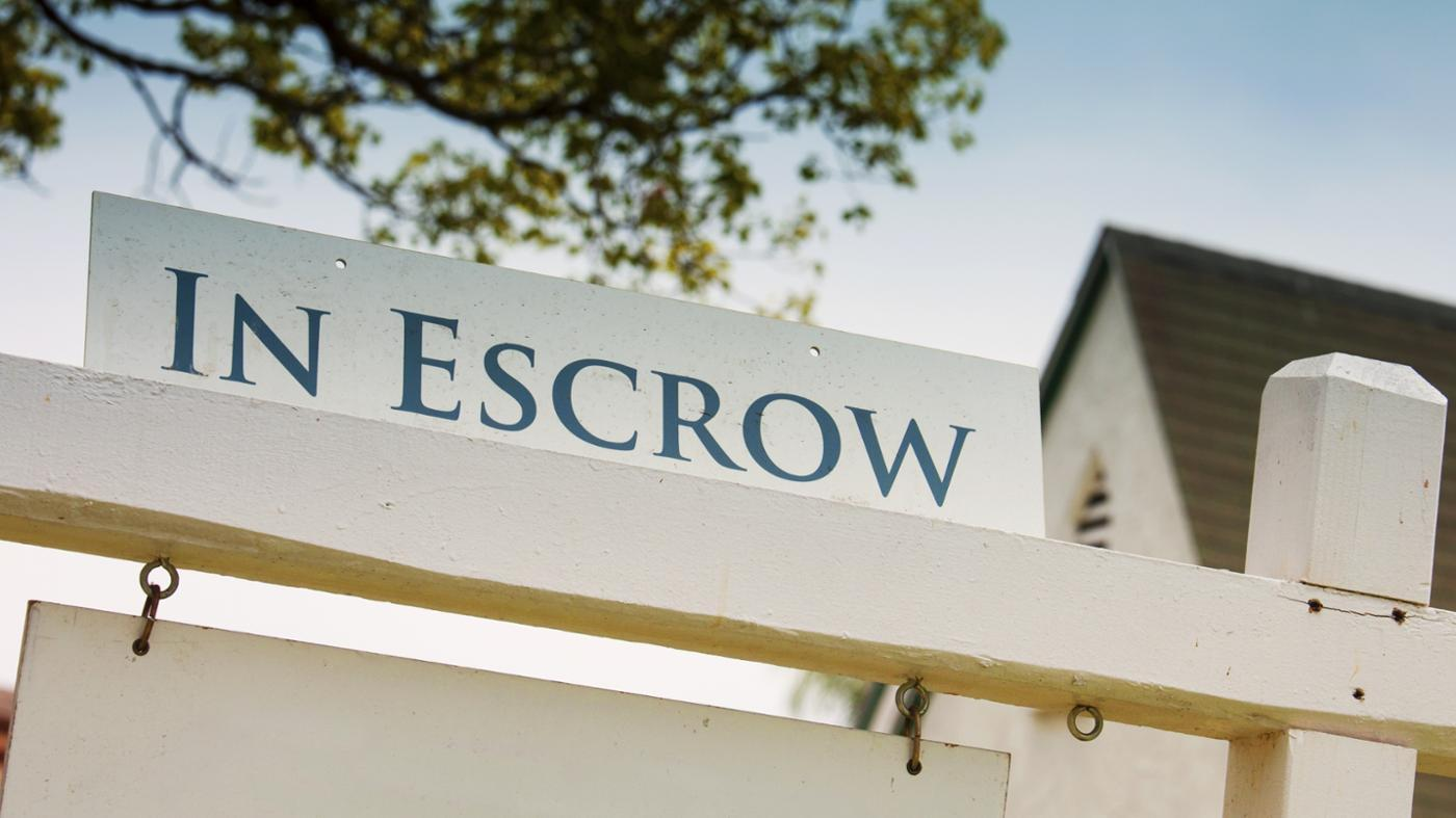 How Do You Calculate the Buyer's Closing Costs in an Escrow?