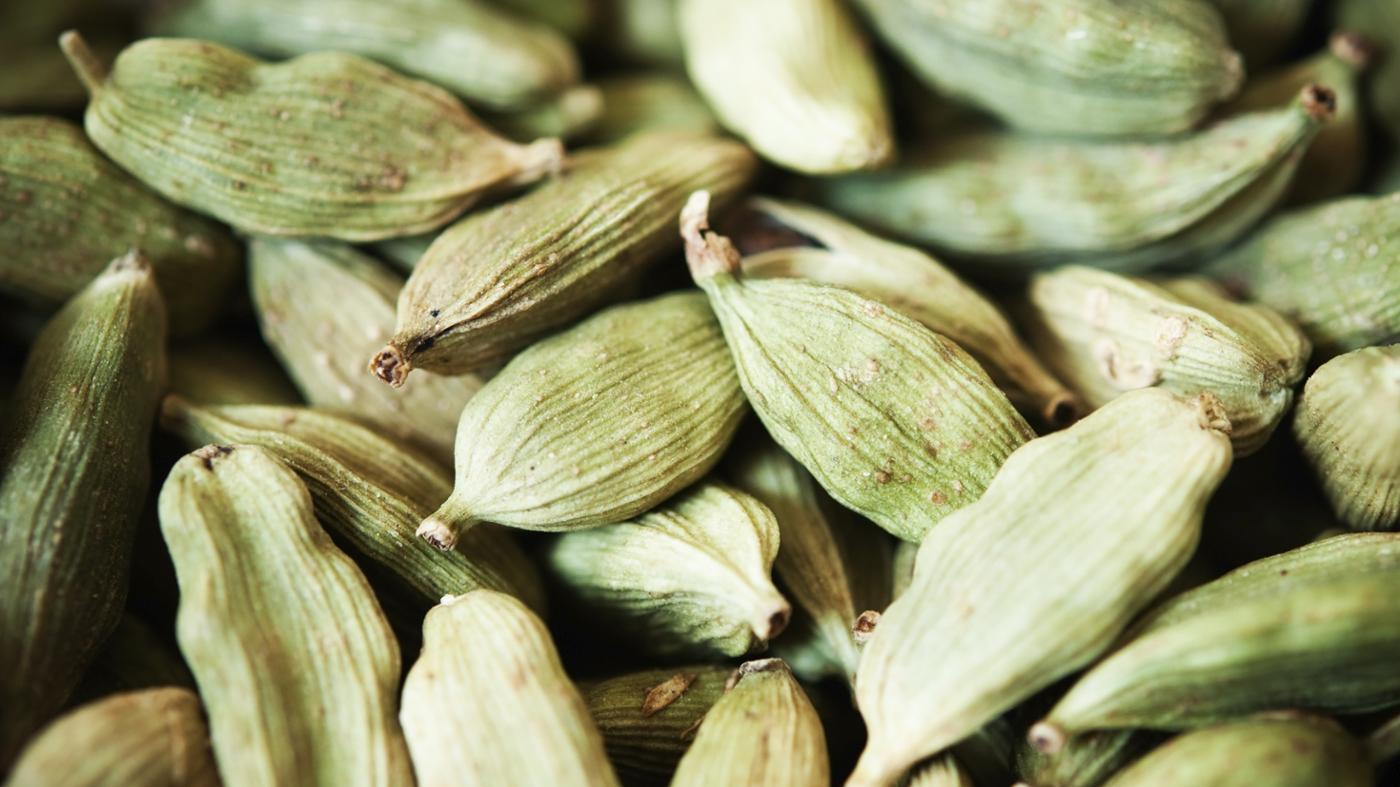 What Does Cardamom Taste Like?