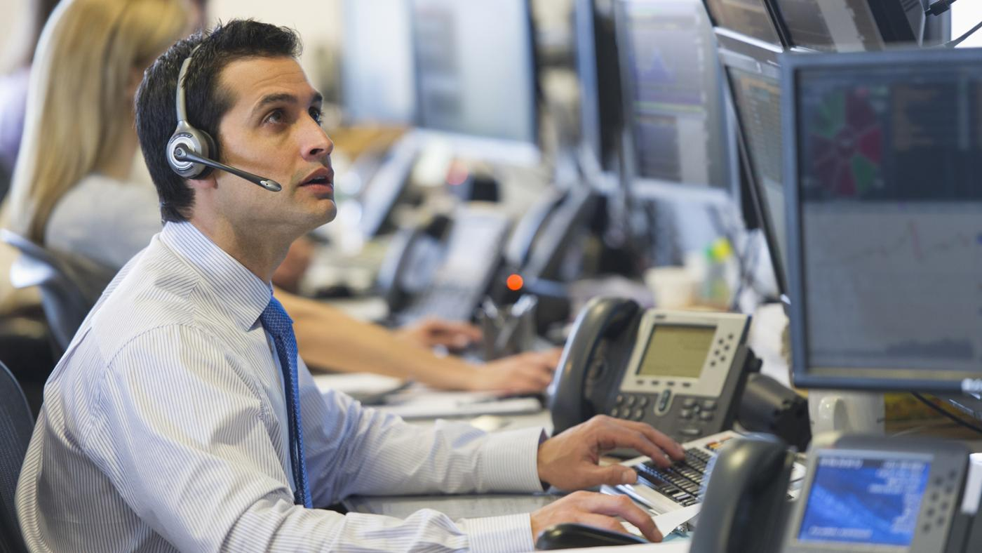 How Do You Check the Dow Jones Performance Versus Nasdaq and S&P?