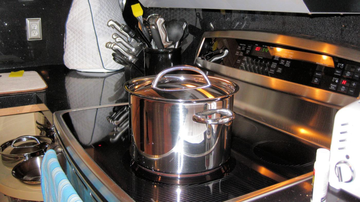 What Companies Manufacture Electric Ranges?