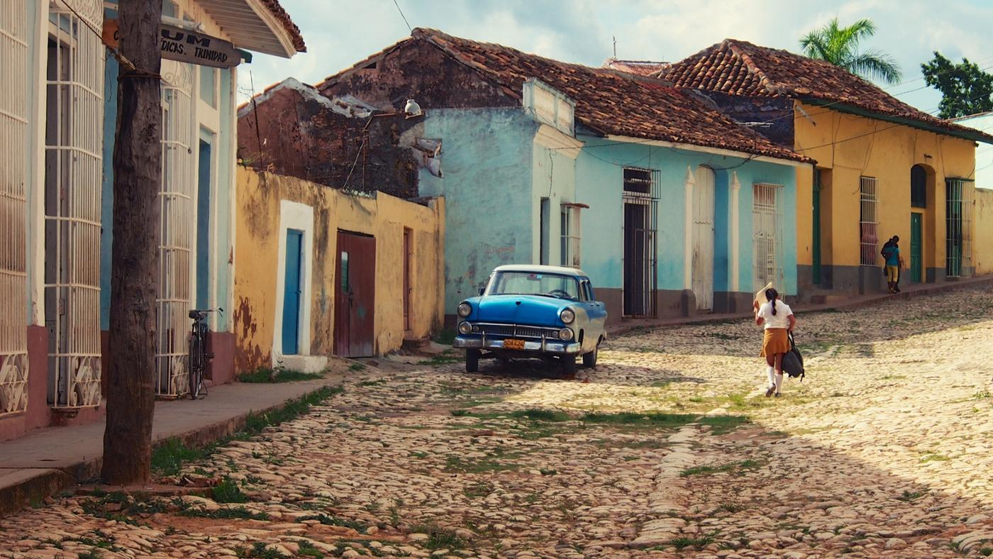 What Countries Surround Cuba?