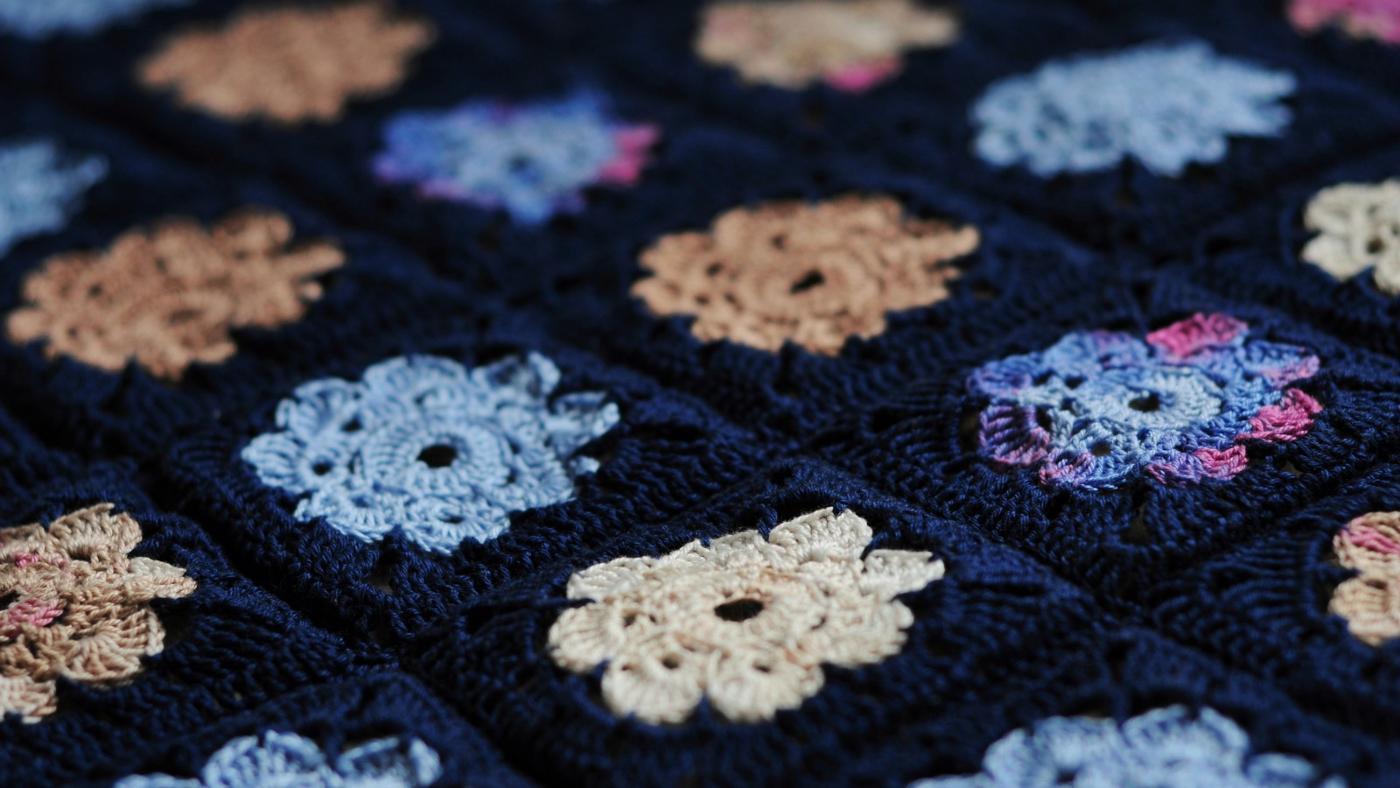 How Do You Crochet a Flower Pattern?