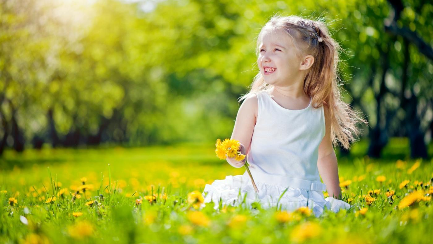 How Do You Get Dandelion Stains Out of Clothes?