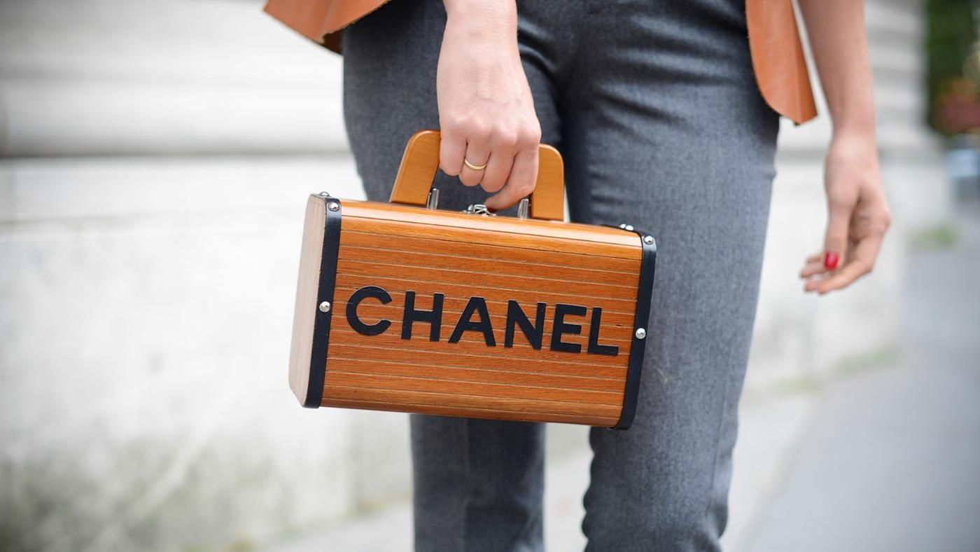 What Are Some Designer Purse Brands?