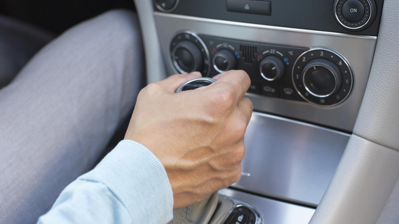 What Is the Difference Between Automatic and Manual Cars?
