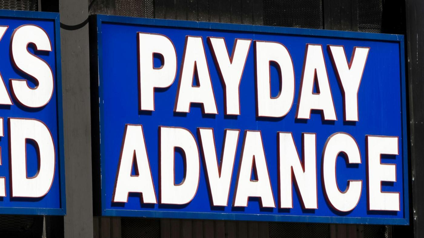 What Is the Difference Between a Salary Loan and a Pay Day Loan?